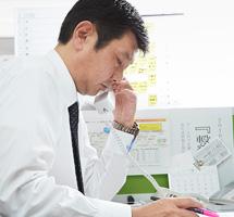 スタッフ紹介01